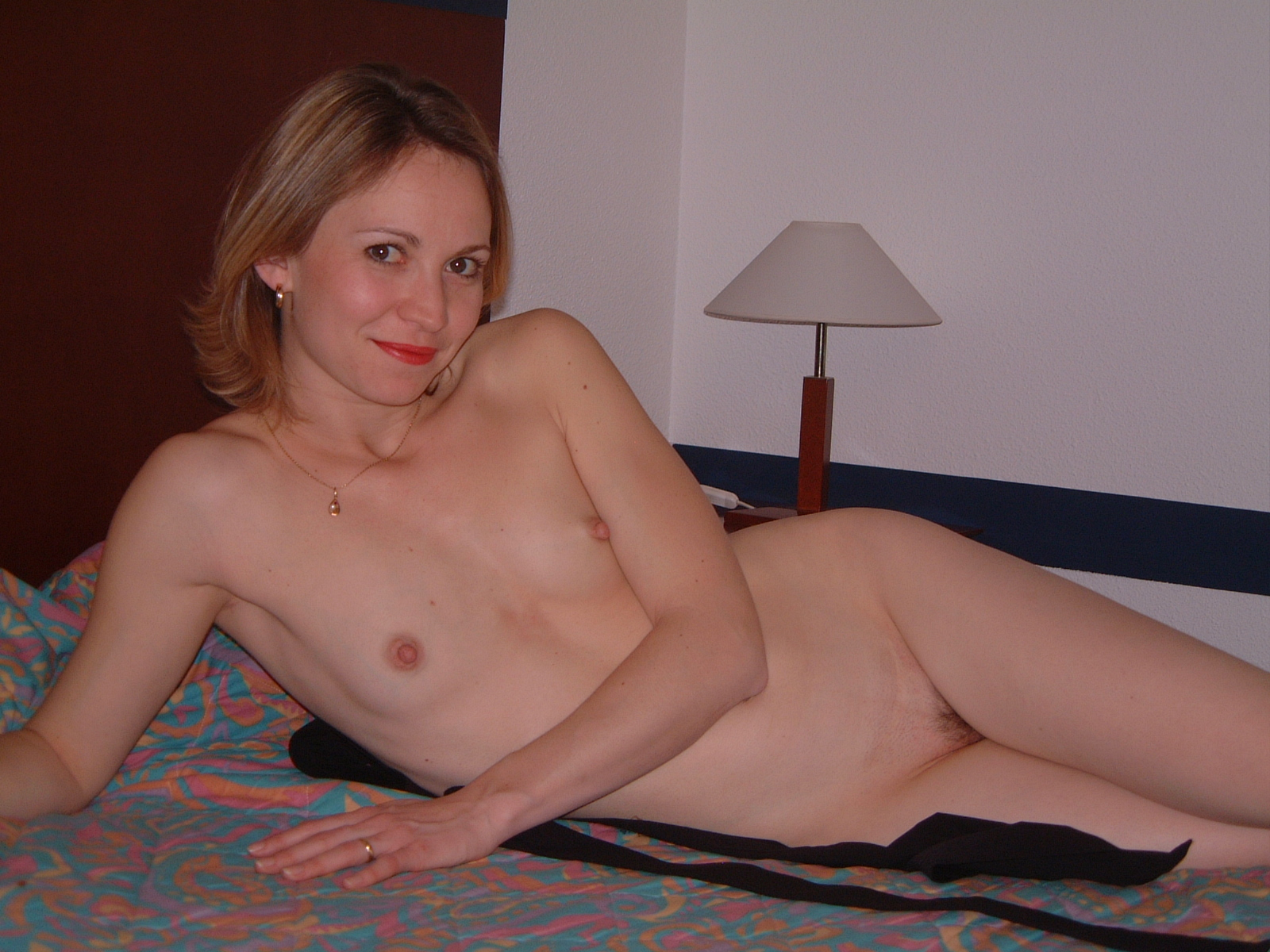 flat-chested-amateur-wife-young-virgins